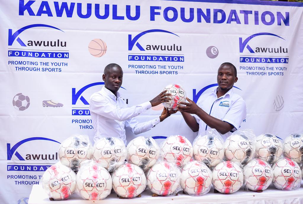 Kawuulu Foundation – main sponsor of Lugazi FC – donates balls to Buganda Region League Clubs